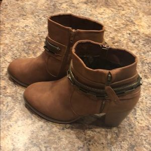 VENUS Cognac Brown Booties- NWOT